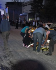 Minibüs, Otomobil İle Çarpıştı! Kazada 2 'si Çocuk 7 Kişi Yaralandı!