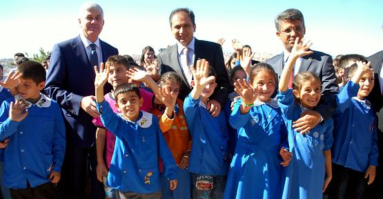 2013-2014 Eğitim-Öğretim Yılı Düzenlenen Törenle Başladı!