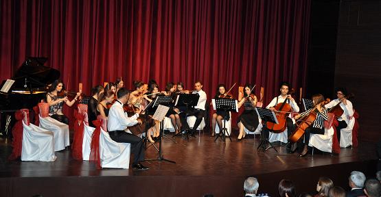 Akademik Oda Orkestrası Uşak'ta Konser Verdi!