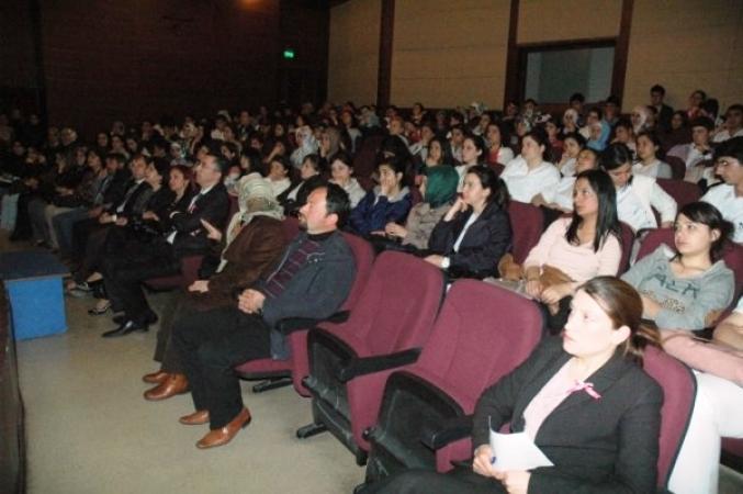 Uşak Kent Konseyi'nden Kansere Karşı Tek Yürek Konferansı