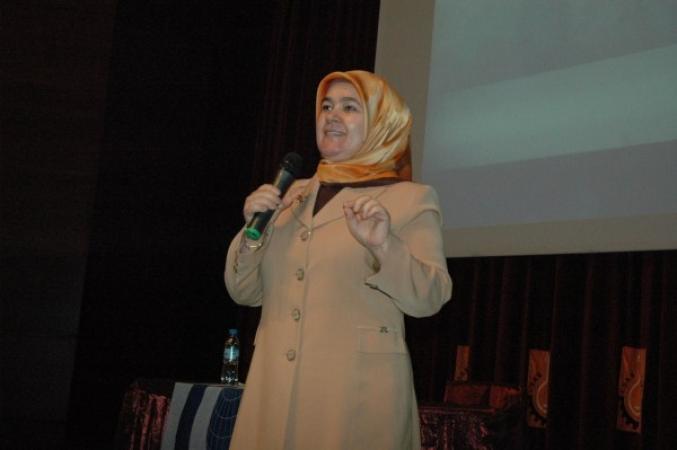 Anadolu Gençlik Derneği; Müslüman Kadının Şahsiyeti İsimli Bir Konferans Gerçekleştirildi.