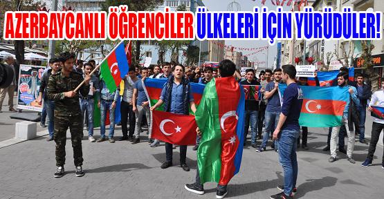 Azeri Öğrenciler Azerbaycan'daki Şehitlerini Andı!