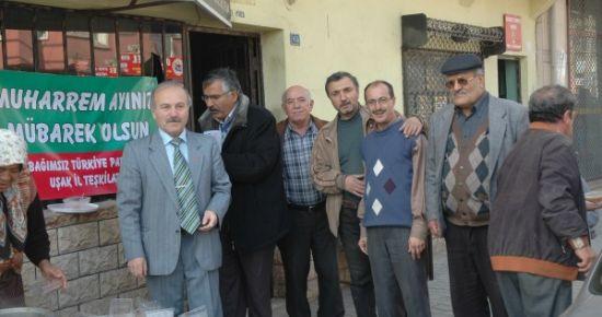 Bağımsız Türkiye Partisi Uşak Teşkilatı Aşure Dağıttı