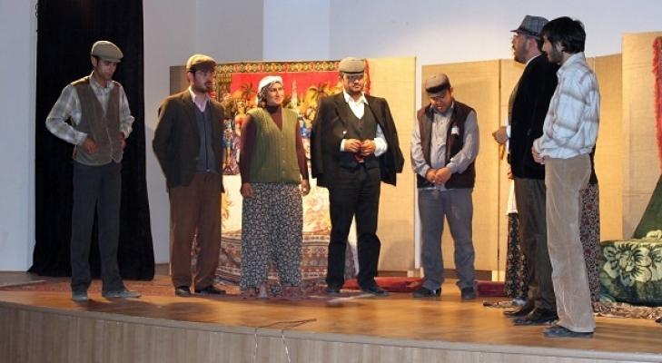Çivril Tiyatrosu İlk Turnesini Karahallı'ya Yaptı