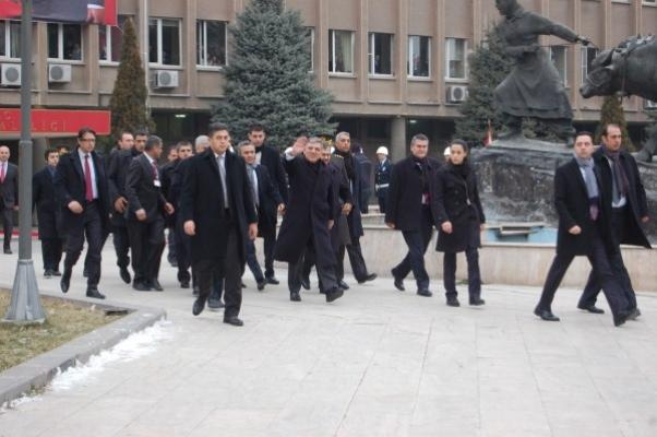 Cumhurbaşkanı Abdullah Gül Uşak'ta Ziyaretlerine Başladı