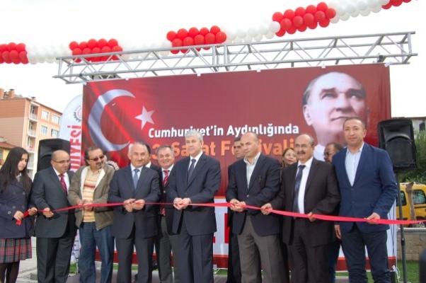 Cumhuriyetin Aydınlığında 3. Sanat Festivali Açılış Töreni Yapıldı