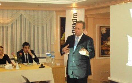 Demirdöküm Ağaoğlu Otelde 57 Yılını Kutlarken Uşak lı İşadamları İle Bir Araya Geldi.