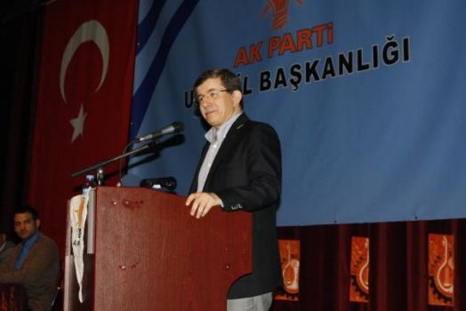 Dışişleri Bakanı Davutoğlu Uşak'ta Duygu Yüklü Bir Konuşma Yaptı!