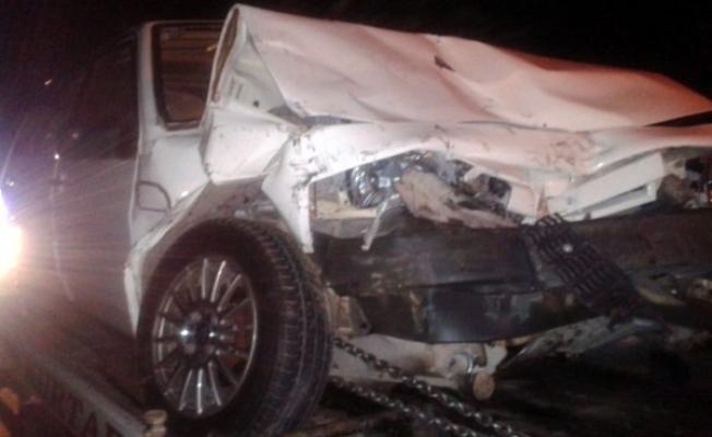 Ehliyetsiz Sürücü Arkadan Çarptığı Aracı Şarampole Yuvarladı! 4 Yaralı!