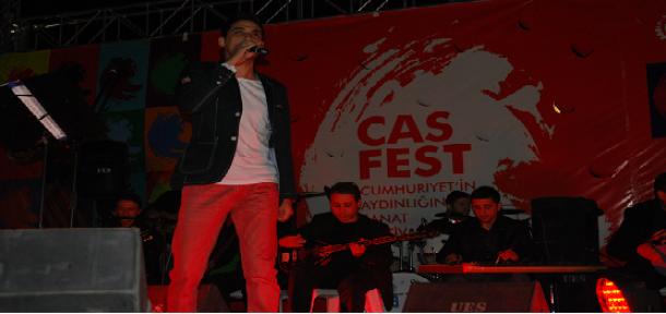 Ersin Aydın, Şarkılarıyla Coşturdu!
