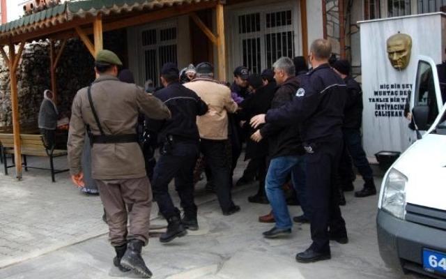 Eski Eşini Öldüren Adam Gizlendiği Yerden Çıkınca Yakalanarak Tutuklandı!