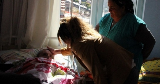 Evde Bakım Hastalarına Moral Ziyaretleri Devam Ediyor
