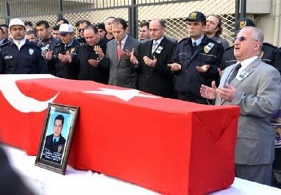 Siirt'te Şehit Düşen Uşaklı Polis Memleketi Uşak'a Getiriliyor!