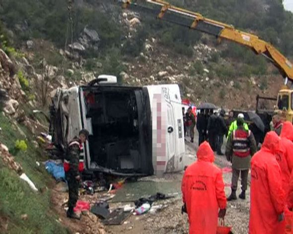 Isparta Antalya Yolundaki Otobüs Kazasında Ölen ve Yaralananların İsimleri..