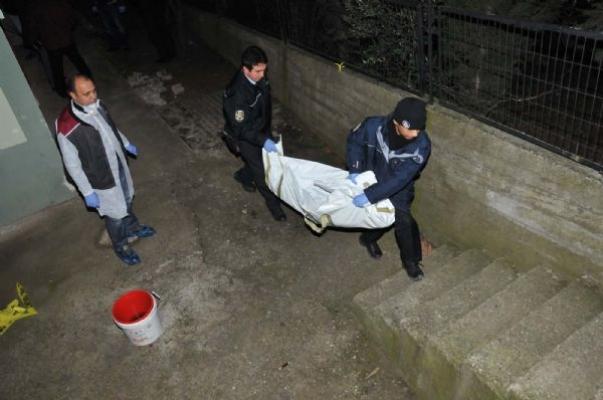 İzmit (Kocaeli) Kuruçeşme Semtin'in Kocatepe Mahallesi'nde Cinayet..Aysel Geniş, Gökdeniz Geniş, Görkem Geniş, Aysime Geniş'in Cinayet Haberi.