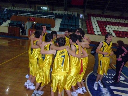 Liselerarası Basketbol Şampiyonasında Finalin Adı: S.S Ağaoğlu Lisesi- Fen Lisesi