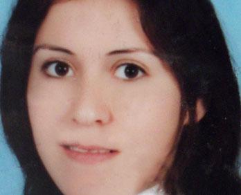 Manavgat ta Cinayet.. Fatma Tohumcu İsimli Genç Kadın  Bıçaklanarak Öldürüldü.