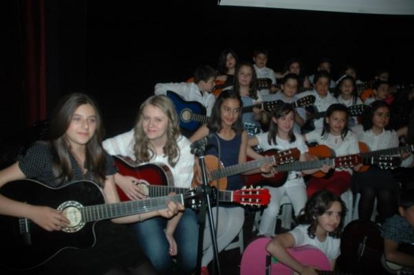 Mehmetçik İlköğretim Okulu Çocuk Şenliği AKM'de Düzenlendi