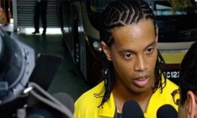 Ronaldinyo Öldü mü, Ronaldinho Öldü Haberi, Ronaldino Kaza Geçirdi, Ünlü Futbolcu Ronaldinyo Trafik Kazasında Öldü mü, Brezilyalı Futbolcu Ronaldinyo Kazada Öldü Haberi Ortalığı Karıştırdı