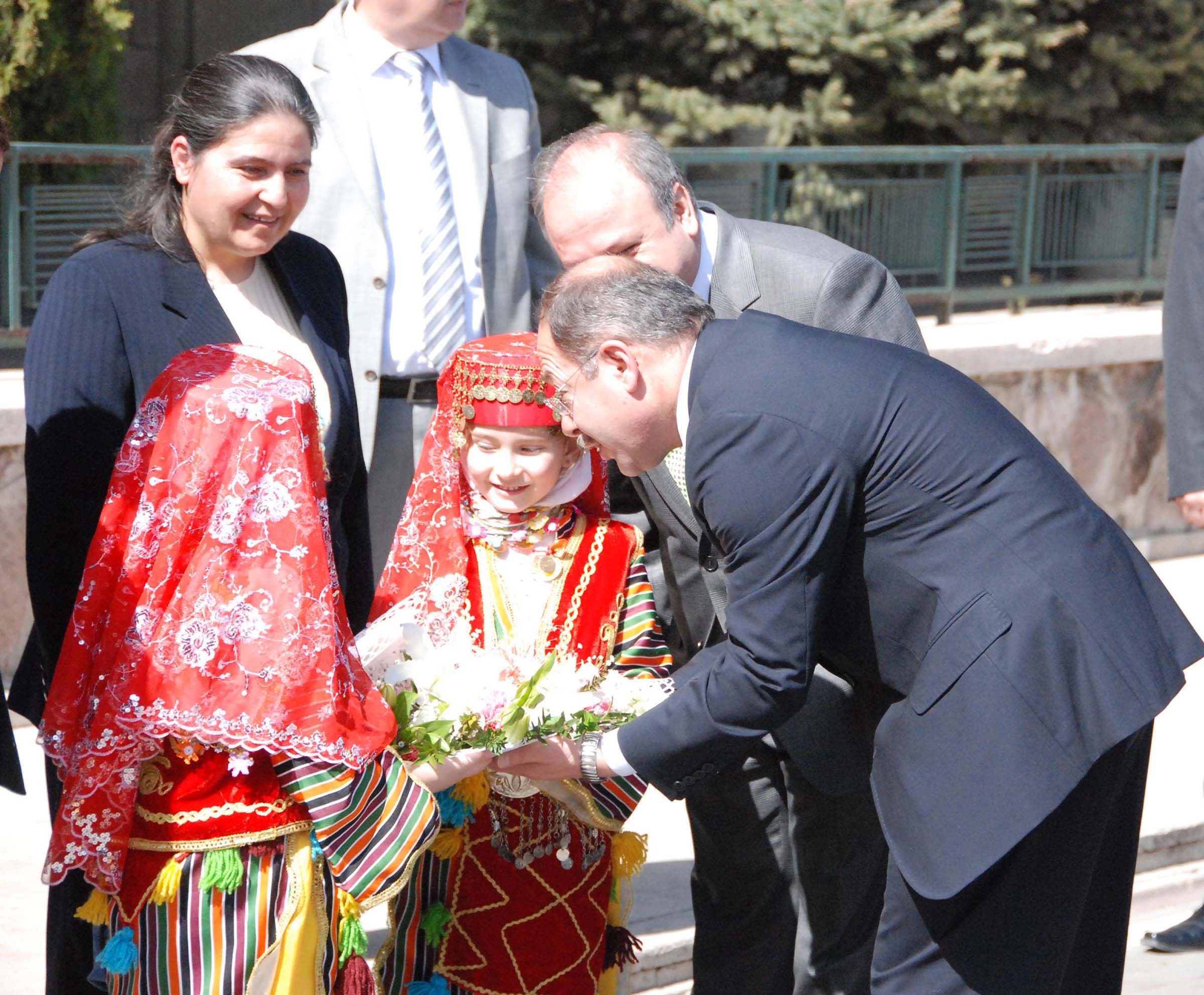Sağlık Bakanı Recep Akdağ Uşak ta Hastane İle İlgili Güzel Haberler Verdi..