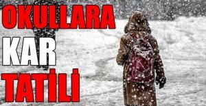 Uşak'ta kar nedeniyle okullar tatil edildi!