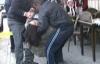 İzmir Bornova da Cinayet. Kemalpaşa da Bir Çorbacıda Ö.P. Telefonda Tartıştığı Ömer Anşin ve Taksi Şoförü Mustafa Sunar ı Vurarak Kaçtı. Ömer Anşin ve Mustafa Sunar Olay Yerinde Öldü.