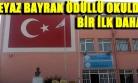 Okul Duvarına Fayanstan Dev Türk Bayrağı!