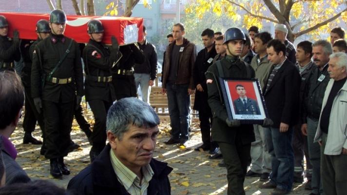 Trafik Kazasında Hayatını Kaybeden Uşaklı Astsubay Halil Dilik Defnedildi!