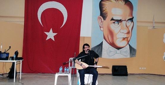 Ulubey Ülkü Ocakları Erhan Çerkezoğlu Konseri Düzenledi!