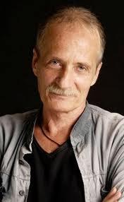 Ünlü Tiyatrocu Oyuncu Cüneyt Çalışkur Öldü.