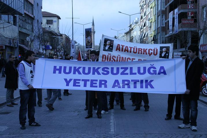 Uşak  Atatürkçü Düşünce Derneği ve Chp'den Pretosto..
