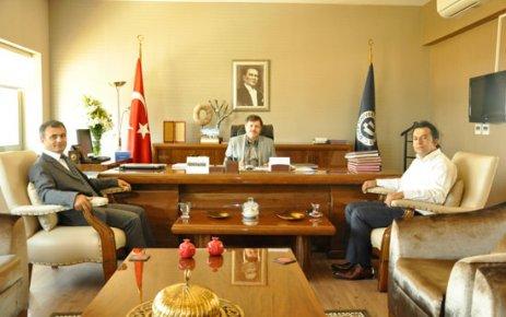 Uşak Baro Başkanı'ndan Rektöre Tebrik Ziyareti