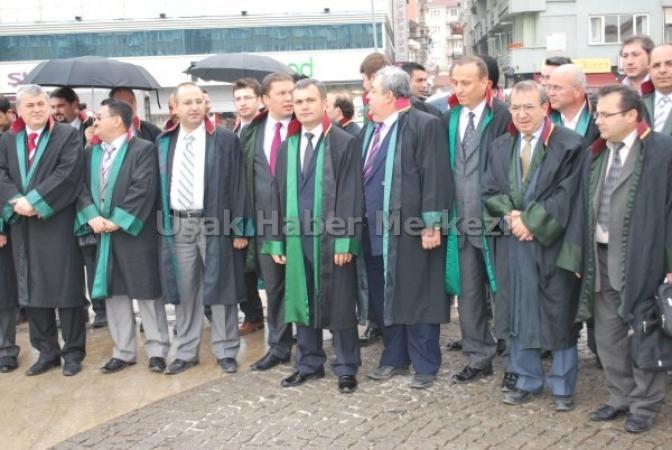 Uşak Barosu'ndan Avukatlar Günü Kutlaması