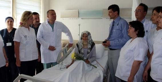 Uşak Devlet Hastanesi Bölgede Bir İlki Gerçekleştirdi: Ölümcül Ameliyatta Büyük Başarı!