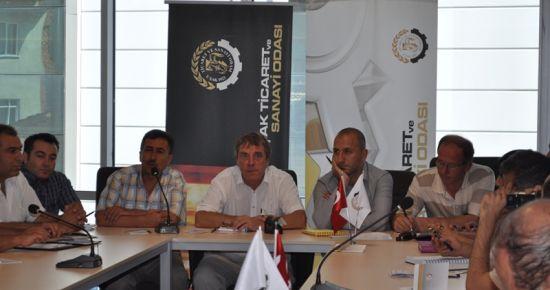 Uşak Ticaret ve Sanayi Odası (UTSO) da Seracılık Masaya Yatırıldı..