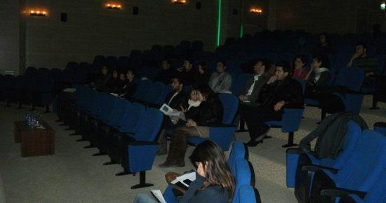 Uşak Üniversitesi Öğrencileri Atatürk'ü Anma Etkinliği Düzenledi.