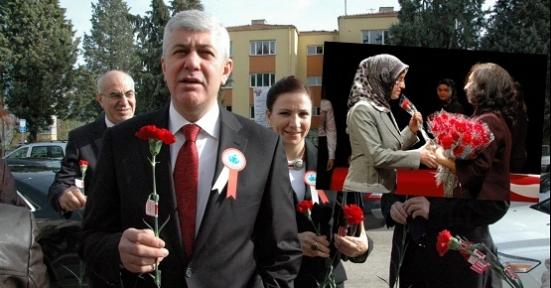 Uşak'ta, 24 Kasım Öğretmenler Günü Kutlandı!