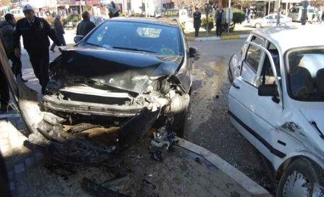 Uşak'ta Habere Giden Gazeteciler Kaza Yaptı!