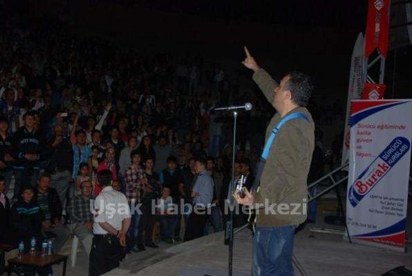 Uşak'ta Haluk Levent Konseri Gerçekleşti