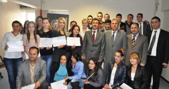 UTSO İstihdam Garantili Satış ve Eğitim Kursiyerlerine Sertifikalarını Verdi.
