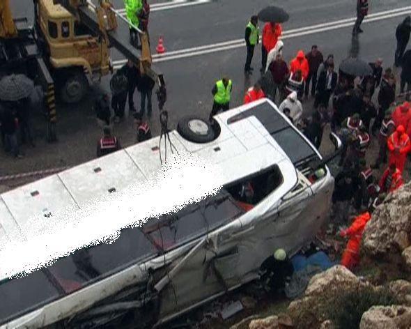 Isparta'da Otobüs Kazası. Kazada 5 Kişi öldü, 38 Kişi de Yaralandı.