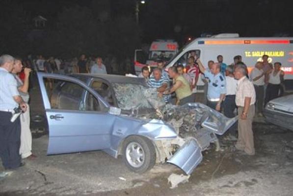Zincirleme Kazada Yaralanan Genç Kız Hayatını Kaybetti