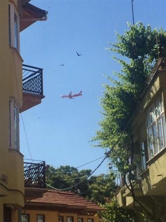Uşak semalarındaki bu uçağın neden iniş yapamadığı belli oldu!