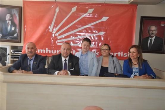 CHP Uşak Teşkilatı bayramlaşma törenini tüm ilçe ve beldelere taşıdı!