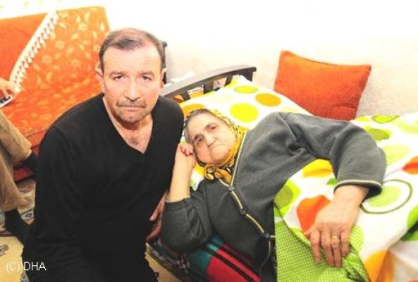 11 Yıldır Ameliyat Sırasında Karnında Unutulan Makasla Yaşadı.