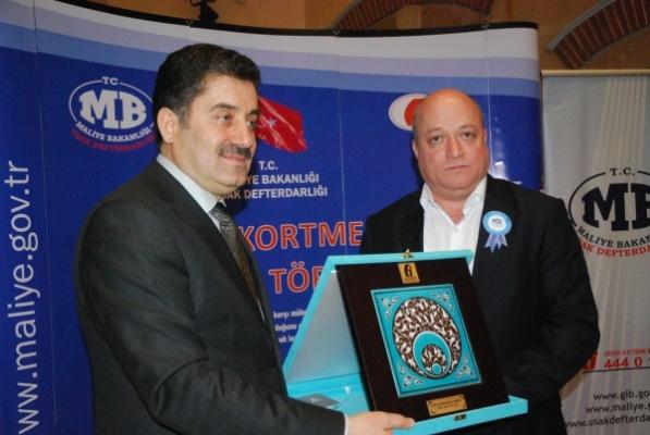 Uşak Vergi Rekortmenleri Ödül Töreni Düzenlendi!