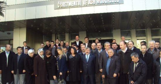 Ak Parti Merkez İlçe Yeni Yönetimi Kahvaltılı Tanışma Toplantısı Düzenledi