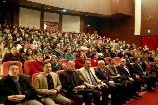 Ak Parti Uşak Teşkilatı İl Danışma Meclisi Toplantısını Gerçekleştirdi