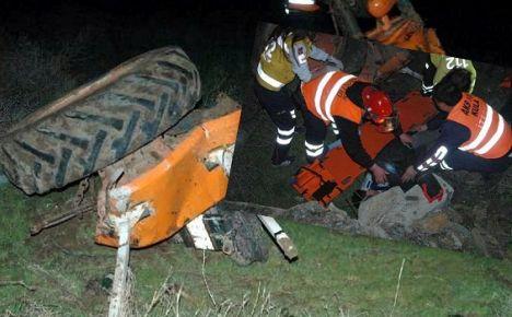 Akaryakıt Tankeri Traktöre Çarptı: 2 Yaralı