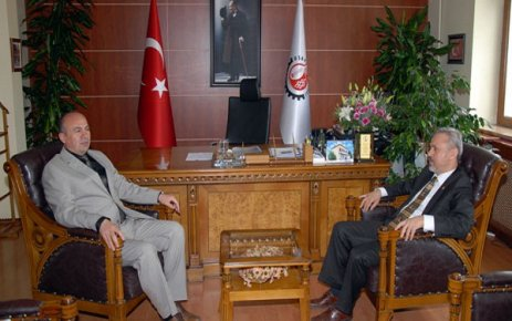 Akparti Milletvekili Nuri Uslu Belediye Başkanı Ali Erdoğan ı Makamında Ziyaret Etti..